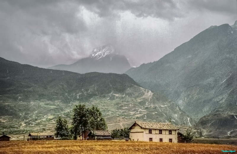 End of the Tiger Leaping Gorge © Carl Welsby