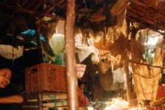 Tumultuous-display-market-day-Harar-Ethiopia