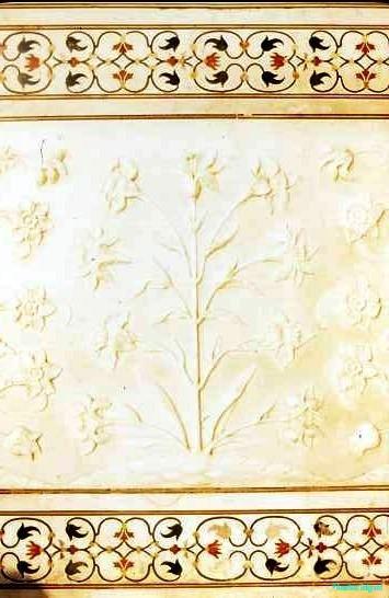 Detail of inlay and carving, Taj Mahal