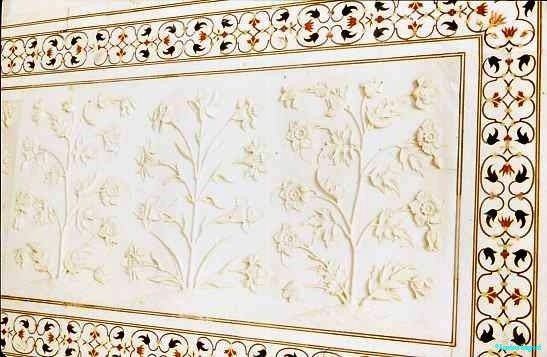 Detail, inlay and carving, Taj Mahal