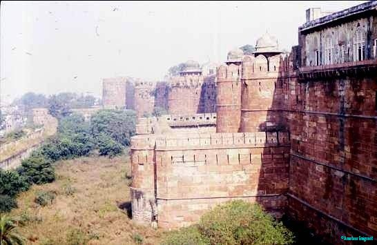Bastions and turrets, Red Fort Agra