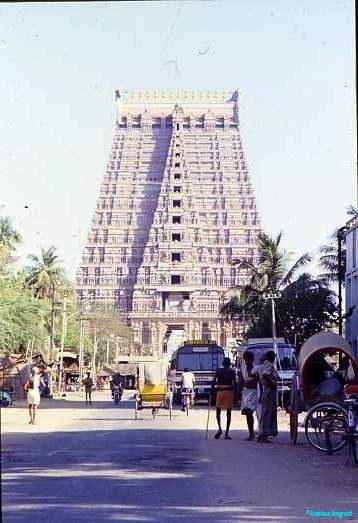 Gopuram, or entrance tower, Sri Ranganathaswamy Temple, Srirangam Tamil Nadu. Largest Hindu temple complex in India