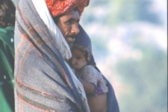 Doting-dad-Pushkar-festival