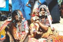Gujarati-women-selling-trinkets-Anjuna-Goa-India