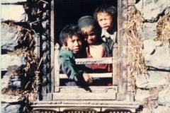 Kids-at-Langtang-Nepal-1