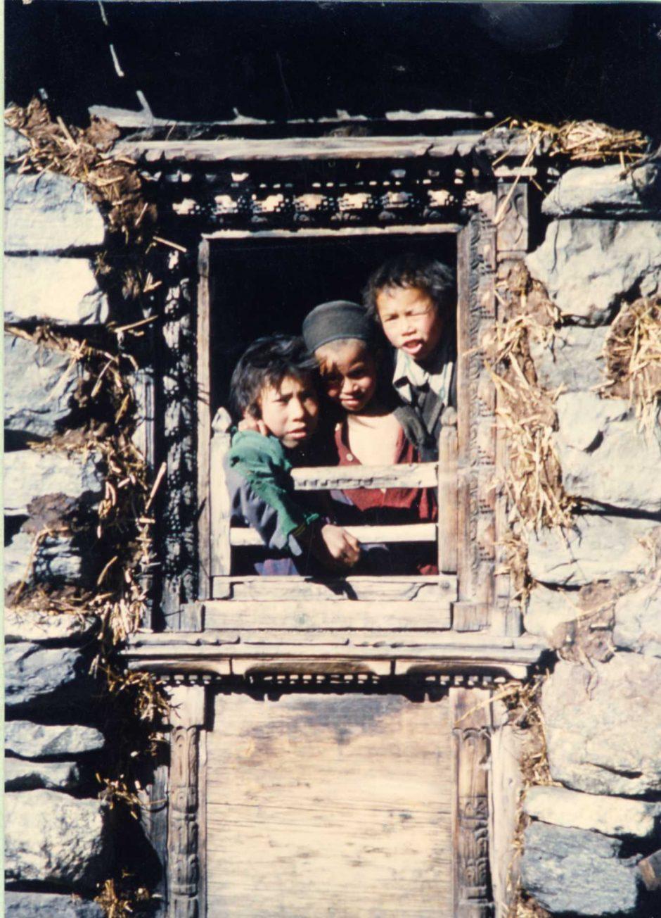 kids-at-langtang-nepal