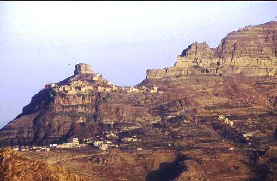 Hilltop settlements, N Yemen